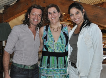 Vivica with Nicky Stadel (center) and Paolo Pecchioli (aka Don Magnifico, left) [Photo courtesy of CiaoPittsburgh]